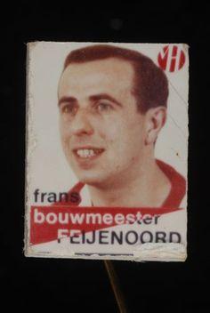 Reclamespeldje, monogram Van Houten´s Cacao, met Feijenoord voetbalspeler: Frans Bouwmeester - Museum Rotterdam