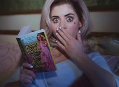marina and the diamonds,she's so beautiful and i adore the song 'primadonna'