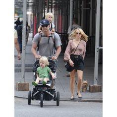 The Piggyback Rider Standing Child Carrier - Liev Schreiber Naomi Watts