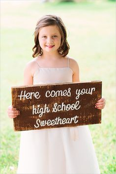 here comes your high school sweetheart sign. i would love this!