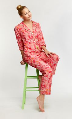 I love Bed Head pajamas! Get frisky and playful in this fun and playful Voile PJ set. The color of the islands are the inspiration for our Hawaiian Paisley Flamingo set made of an airy Voile fabric to keep you cool and tranquil. Cotton Sleepwear, Cotton Pyjamas, Bedhead Pajamas, Pj Sets, Pajamas Women, Bathing Suits, Paisley, Autumn Fashion, Cover Up