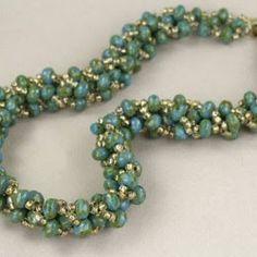 Pattern bijoux: Collana Volume di perline verdi