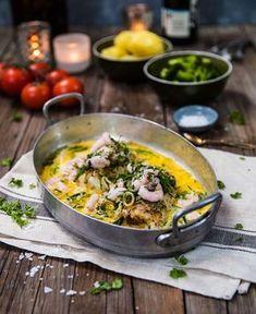 Torskrygg i ugn med purjolök, dill och räkor Fish Recipes, Healthy Recipes, Healthy Meals, Swedish Recipes, Fish And Seafood, Main Dishes, Food Porn, Good Food, Recipes