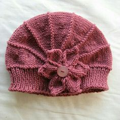 Kanary check this out! pattern for every yarn weight! LOVE this pattern! Ravelry: Project Gallery for Poppy pattern by Justine Turner free pattern Baby Knitting Patterns, Loom Knitting, Free Knitting, Crochet Patterns, Beginner Knitting, Knitting Projects, Crochet Projects, Knit Or Crochet, Crochet Hats