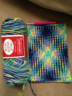 Crochet color pooling with variegated yarn Pooling Crochet, Col Crochet, Crochet Blocks, Learn To Crochet, Crochet Yarn, Knitting Yarn, Crochet Crafts, Crochet Projects, Crochet Stitches Patterns
