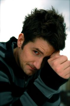 Matt Nathanson....got to be my VERY favorite picture of this gorgeous individual<3