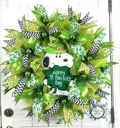 Deco Mesh St Patricks Day Wreath - St Patricks Day Snoopy Wreath - Happy St Patricks Day - Shamrock - Door Wreath - St Patricks Decor by WreathsEtcbyLisa on Etsy