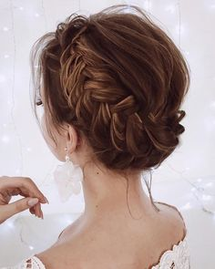 Fishtail milkmaid braid #weddinghairstyles