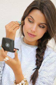 Seleccionamos los mejores 'make-up' de las blogger. En la imagen Annabelle Fleur, Vivaluxury, que tiene en el delineado de ojos perfecto su mejor seña de identidad.