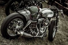 oldschoolbikes:   equestriagardens:  Crazy cafe... - Kustom Kulture- I Live For This Shit