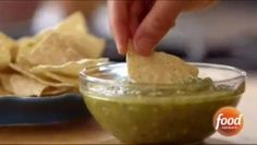 """Roasted Tomatillo Sauce (FAQ Freezer) - """"The Pioneer Woman"""", Ree Drummond on the Food Network. Tomatillo Sauce, Roasted Tomatillo, Appetizer Dips, Yummy Appetizers, Food Network Recipes, Cooking Recipes, Cooking Ideas, Pioneer Woman Recipes, Pioneer Women"""