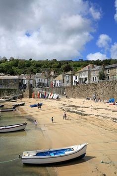 Mousehole Harbour #Cornwall Pic by Rebecca Bentley www.pinterest.com/sowildandfree/
