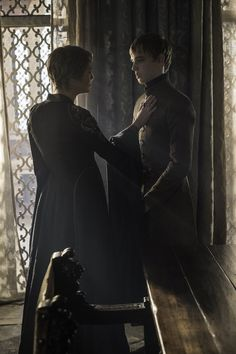 Cersei talking to his son, he tells the intentions of the High Sparrow