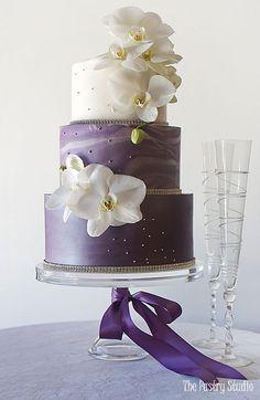 Featured Cake: The Pastry Studio; www.thepastrystudio.com; Wedding cakes ideas. #weddingcakes