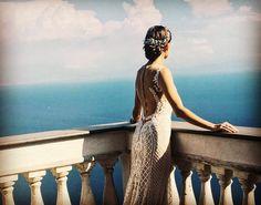 Amazing bride @tati_link at @palazzoavino #amalficoast #amalficoastwedding #aмальфитанскоепобережье #свадьбавравелло #равелло #италия #beautifulbride #seaview #weddingsinitaly