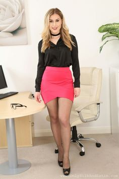 Sexy blonde in miniskirt, sheer tights / pantyhose and heels Short Skirts, Short Dresses, Mini Skirts, Pantyhose Soles, Nylons, Fully Fashioned Stockings, Sheer Tights, Mom Dress, Satin Blouses