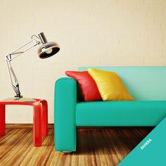 A combinação do tom Riviera com as cores vermelha e amarela vai deixar qualquer ambiente da sua casa mais alegre. Que tal inovar a decoração da sua sala com a nossa nova cor?
