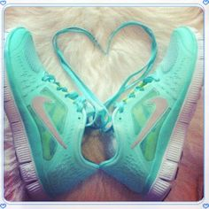I am not a big sneakers/tennis shoe type of girl, BUT. I love the different girly types! Nike Free Running nike free tiffany blue nikes, tiffany free runs, hot punch nike frees, pink nike shoes Discount Running Shoes, Discount Sneakers, Sneakers Nike, Cheap Sneakers, Nike Trainers, Nike Free Pink, Nike Free 4.0, Nike Shoes Cheap, Nike Free Shoes