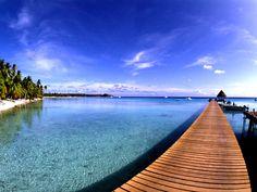 南太平洋随一のリゾート・タヒチ。水上コテージが有名です。パックツアー¥139,800~(2/15現在)