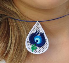 Matyó mintás nyaklánc Wood Earrings, Crochet Earrings, Paper, Leather, Jewelry, Fashion, Jewellery Making, Moda, Jewerly