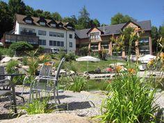 Gemeinsam mit Ihrem Hund verbringen Sie entspannte und harmonische Tage in unserem Hotel im Bayerischen Wald. Hunde urlauben bei uns kostenlos!
