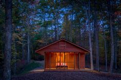 Living in the living woods... Kelly R. Davis, architect ~ Canoe Bay Escape