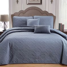 92 best bedspreads images quilts bed covers comforters rh pinterest com