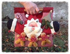 Bolsa de navidad de Santa Claus y galletas de jengibre Christmas Sewing, Christmas Bags, Christmas Is Coming, Santa Christmas, All Things Christmas, Christmas Stockings, Christmas Crafts, Christmas Decorations, Christmas Ornaments