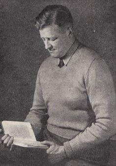 Vintage Knitting Pattern Instructions to Make Mens Lightweight V-Neck Jumper