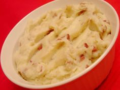 Red mashed potatoes for a Valentine's Day side dish. Mashed Potato Recipes, Mashed Potatoes, Valentines Food, Dinner Ideas, Side Dishes, Appetizers, Eat, Vegetables, Drinks