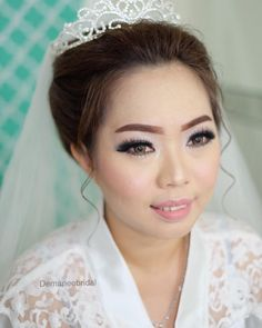 Wedding makeup for Novy ❤️ Fendry #demarieebridal #makeupartistpalembang #muapalembang #bridalpalembang  #instabride #weddingmakeup #makeupartist  #makeupwedding #bride #muapalembang #makeupengantin #bridalpalembang #softmakeup #bridestory #inspirasipernikahan #weddingindonesia #weddingku  #gaunpengantin http://gelinshop.com/ipost/1524306309657958086/?code=BUnbIM0DJbG