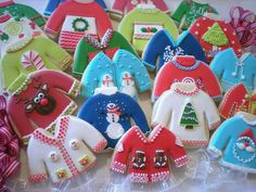 Ugly Christmas Sweater cookies by Sugar I love how pastels were used here