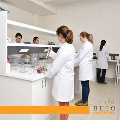 Alanımızda uzmanız... Tüm arı ürünlerimiz İTÜ arıteknokent güvencesinde, uzman gıda mühendislerinin onayından geçerek sofranıza geliyor. Siz ve sevdikleriniz için...