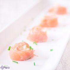 Salmon cream cheese spirals - English recipe - Quick appetizers that are great to serve at a birthday party. Creamy, a hint of herbs by the cream cheese and salty by the salmon. And the spiral gives a nice touch to.
