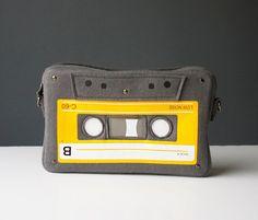 Cassette compacto fieltro bolsa monedero de amante por krukrustudio