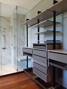 Espacios integrados para hacer mas fácil la vida. Shelving, Loft, Indoor, Furniture, Design, Home Decor, Spaces, Life, Interior