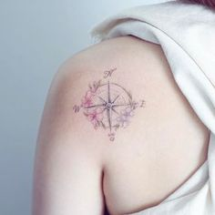 "4,011 curtidas, 13 comentários - Mini Lau  Hello Tattoo (@hktattoo_mini) no Instagram: ""compass and flower"""