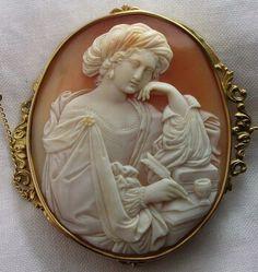 "Cornelian shell cameo brooch depicting ""Sibilla Persica"" in 15k gold mount, Italy, circa 1860-1870"