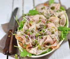 Vitello tonnato Bruchetta Recipe, Good Food, Yummy Food, Xmas Food, Snacks Für Party, Brunch, Dinner Is Served, Soup And Salad, Summer Recipes