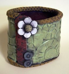 Pottery Ideas | Carryall Love the colors | pottery ideas