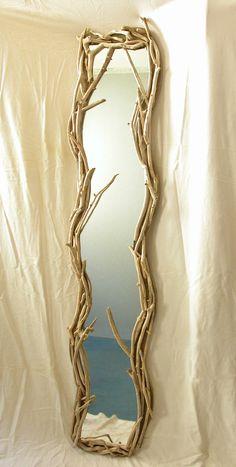 Miroir vertical en bois flotté