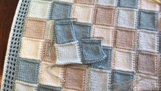Magical Squares Blanket – No stitching of squares – knitting blanket patchwork Knitted Afghans, Knitted Baby Blankets, Knitted Blankets, Knitted Squares Pattern, Knitting Squares, Quilt Block Patterns, Pattern Blocks, Quilt Blocks, Baby Knitting Patterns