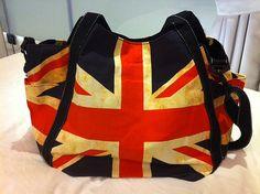 i so want a union jack bag!