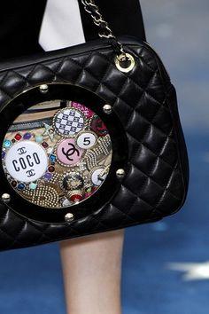 Chanel, www.LadiesStylish.com ... Awesome. #ElegantBags