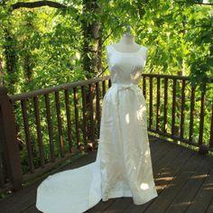 711af9248a2b Vintage Brudklänning från USA på Tradera. 38/40   Klänningar   Damkläder