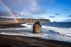 """""""Rainbow on Kirkjufjara beach"""" http://www.erwanleroux.bzh  Une vue typique de la plage de Kirkjufjara en Islande depuis la péninsule de Dyrhólaey.  Bonne journée à toutes et à tous !  Aussi, n'oubliez pas ... pour un exemplaire de mon calendrier 2017 sur la Bretagne ... c'est avant le 29 novembre et c'est par ici ;) http://www.erwanleroux.bzh/-/galleries/calendrier-2017  #erwanleroux #photographe #iceland #islande #Dyrholaey #kirkjufjara #kirkjufjarabeach #rainbow #arcenciel #vik"""