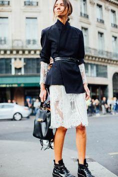 Non-Boring Ways To Style Your (Boring) Black Blazer ღ Stylish outfit ideas for. Fashion Mode, Trendy Fashion, Fashion Looks, Fashion Trends, Paris Fashion, Curvy Fashion, Fashion Bloggers, Style Fashion, Estilo Hippie