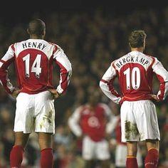 Thierry Henry i Dennis Bergkamp w Arsenal FC Arsenal Fc, Arsenal Football Club, Arsenal Players, Best Football Players, Football Is Life, Football Kits, Sport Football, Soccer Players, Football Things