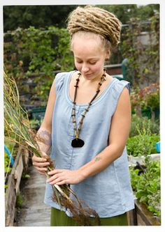 Sleeveless linen/cotton blouse – Roofgardening – GUDRUN SJÖDÉN – Webshop, mail order and boutiques   Colorful clothes and home textiles in n...