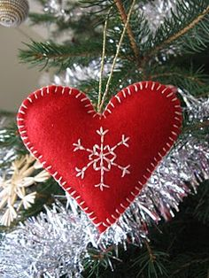 felt ornament - love the red and white